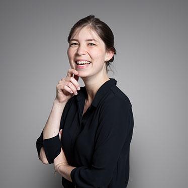 Qivive, Franziska Schreitmüller, Assistentin