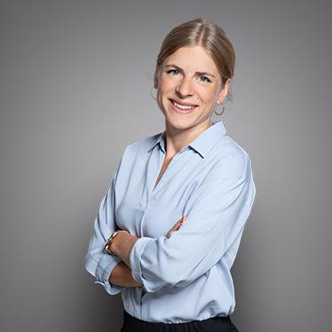 Qivive, Johanna Sahbatou, Gesellschaftsrecht Frankreich