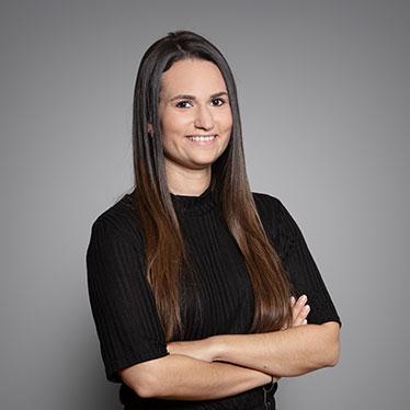 Qivive, Sabrina Deloum, Assistentin